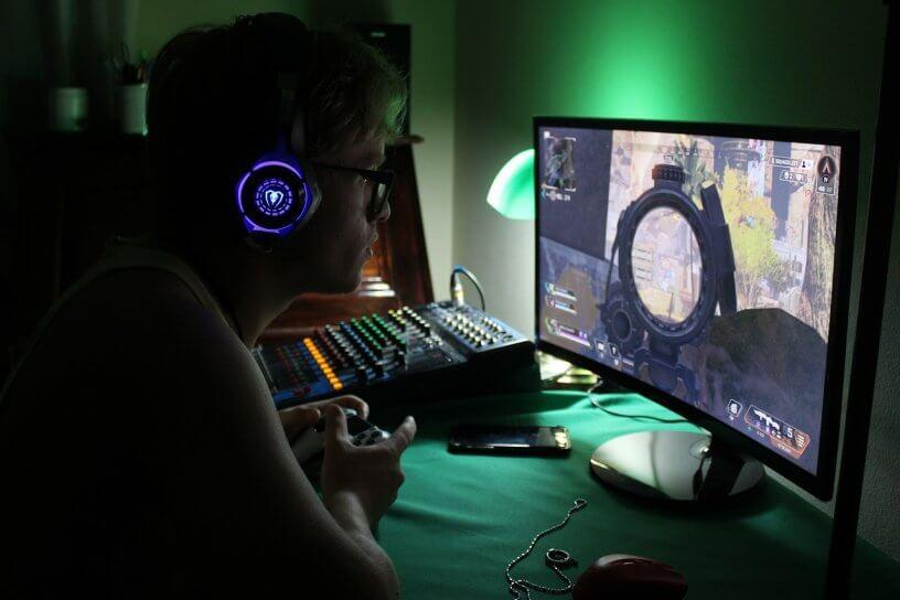 gracz komputerowy
